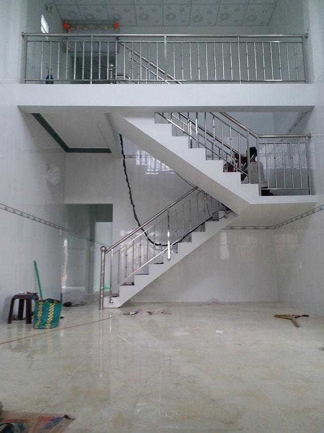 lan can cầu thang inox (2)